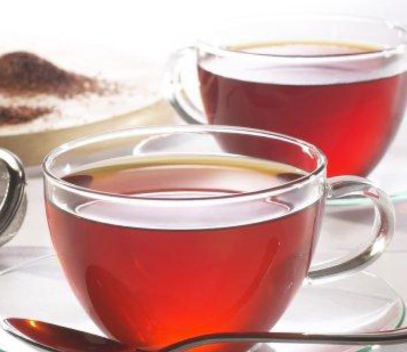 Brighten Hair with a Tea Treatment